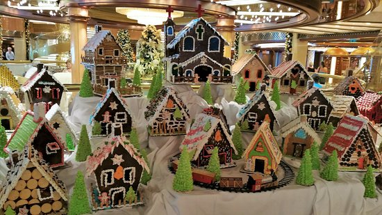 Royal Princess: Gingerbread house competition for Christmas