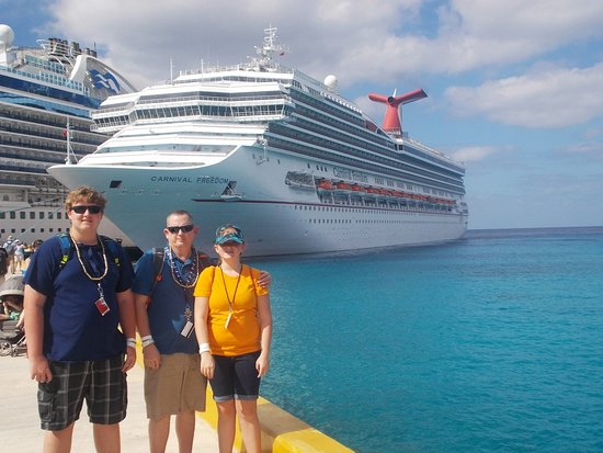 Carnival Freedom: Boarding back on ship at the Cozumel Port!  What a wonderful day!!!  ps...o
