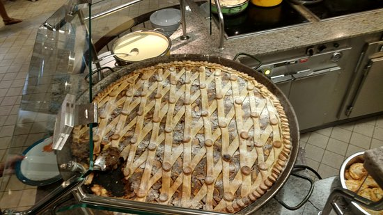 Independence of the Seas: Biggest apple pie I