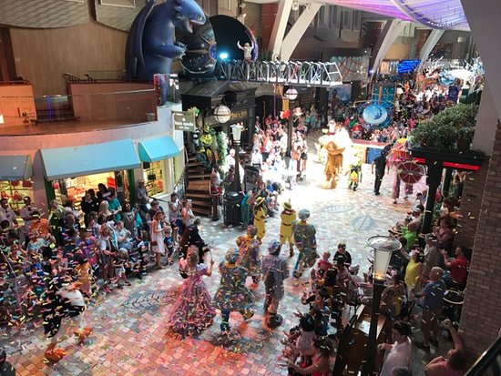 Allure of the Seas: DreamWorks Parade - From Photo Shop