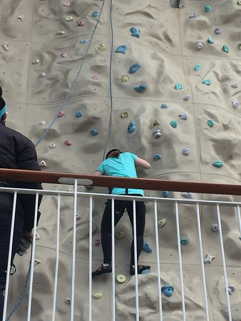 Norwegian Epic: rock climbing - pretty fun!