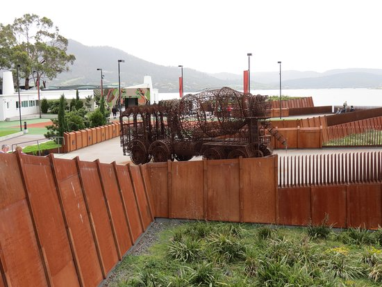 Terroir Wine Tours Tasmania: sdknsdkjb
