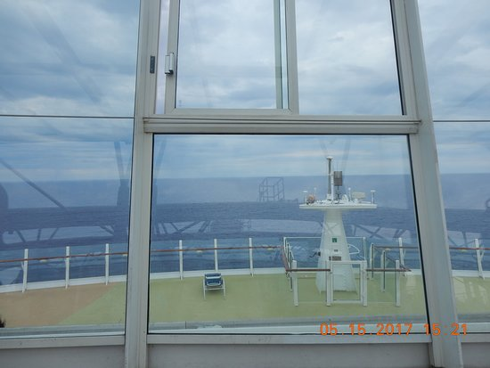 Oasis of the Seas: Bow of the ship from the Solarium