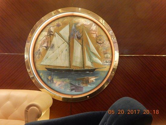 Oasis of the Seas: Schooner bar