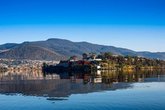 Terroir Wine Tours Tasmania: dsnbc sdhb csd