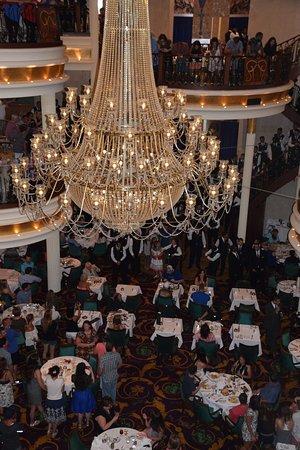 Liberty of the Seas: Main dining room