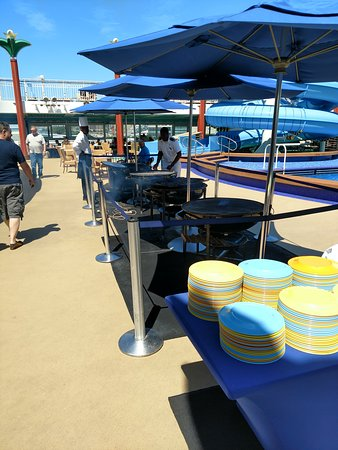 Norwegian Gem: It was nice to have different fresh grilled items by the pool for lunch!