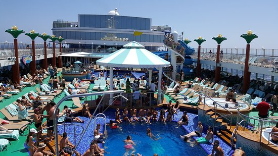 Norwegian Gem: Day at sea photo taken from the Bali Hai bar overlooking the pool...