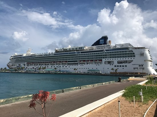 Norwegian Gem: Ship docked in Nassau
