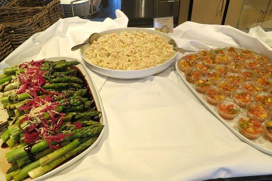 Kong Harald: Buffet for dinner in main restaurant