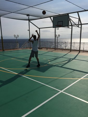 Norwegian Gem: My son really enjoyed playing basketball