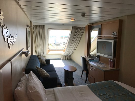 Oasis of the Seas: Cabin 9504 - connects to 9506