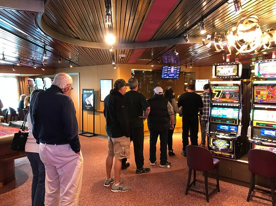 Eurodam: Long line at the casino cashier. Last day of the cruise and they staff the