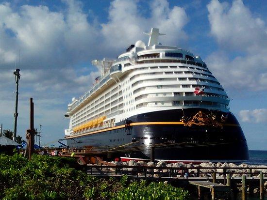 Disney Dream docked at Disneys Castaway Cay