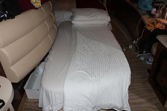Norwegian Epic: Sofa bed