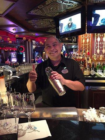 Norwegian Jade: Jomar....The best casino bartender ever!!!