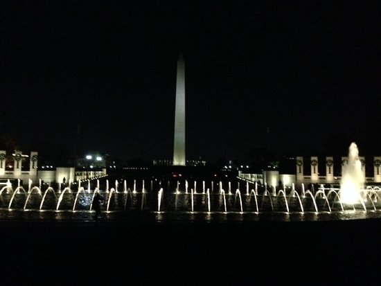 Washington DC Evening Tour: WWII