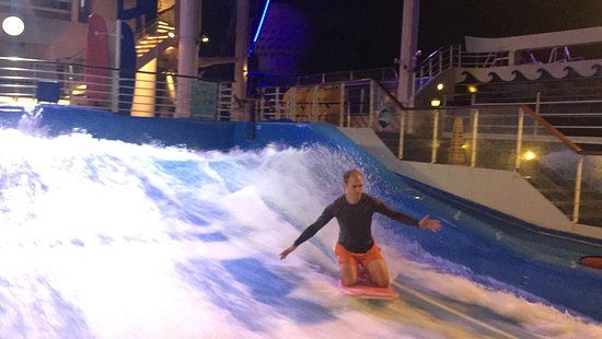 Liberty of the Seas: Flowrider boogie boarding