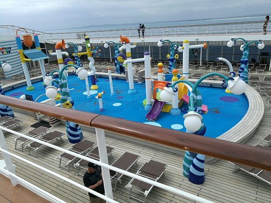 MSC Sinfonia: Splash park was awesome but the maximum age should be reduced to 10 years.