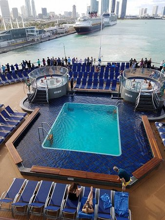 Carnival Splendor: This is on one of swimming lounge decks think it's the 21 and over deck