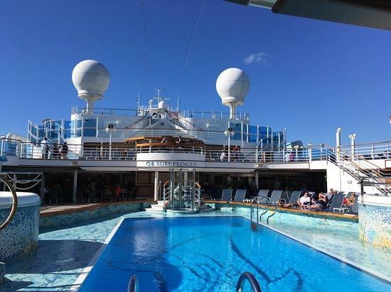 Ruby Princess: Pool