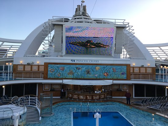 Ruby Princess: Movies under the stars