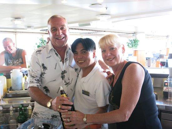 Nieuw Amsterdam: Mid Ships LIDO Bar with Bartender WALTER!!!