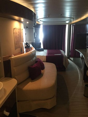 Norwegian Epic: Mini Suite Cabin 10261