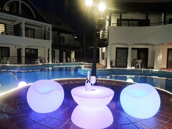 【2F】和洋室メゾネットルーム - Foto The Pool Resort Okinawa, Onna-son - Tripadvisor