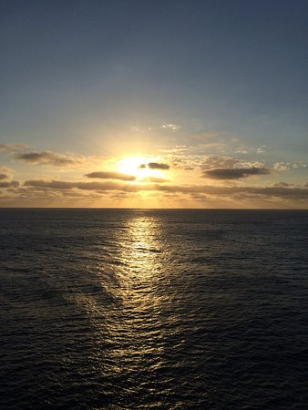 Pacific Dawn: Breathtaking sunset over the coral sea