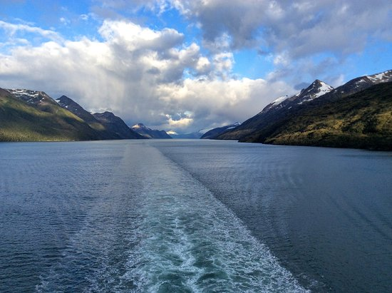 Emerald Princess: Cruising Chilean fjords