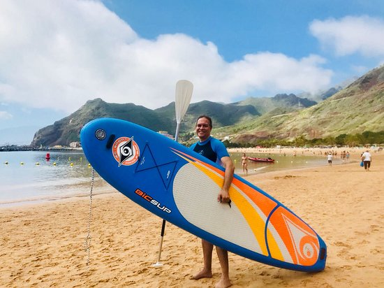 I knew that Aidasol and Aidaprima do Stand Up Paddle with Anaga Experience at Teresitas beach. However, since Aidavita don