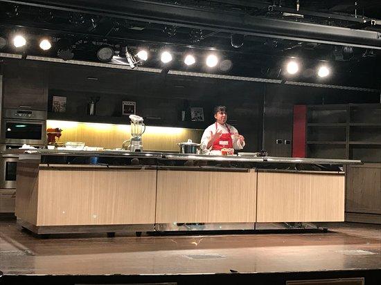 Nieuw Amsterdam: America's Test Kitchen class