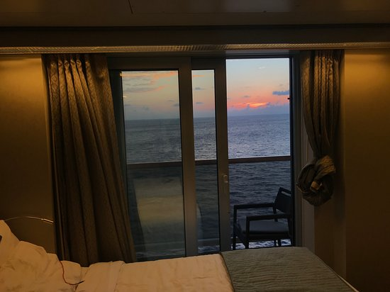 Nieuw Amsterdam: Sunset from the stateroom