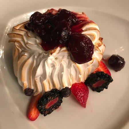 Nieuw Amsterdam: Baked Alaska at Pinnacle Grill was AMAZING