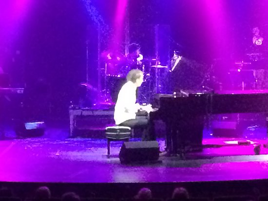 Celebrity Eclipse: One of the best show the pianist