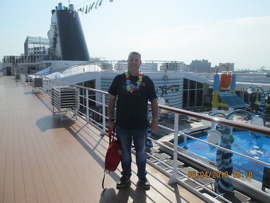 MSC Sinfonia: Me on the 11th deck