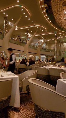 Celebrity Solstice: Grant Epernay restaurant