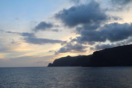 Marina: Sunset leaving BoraBora