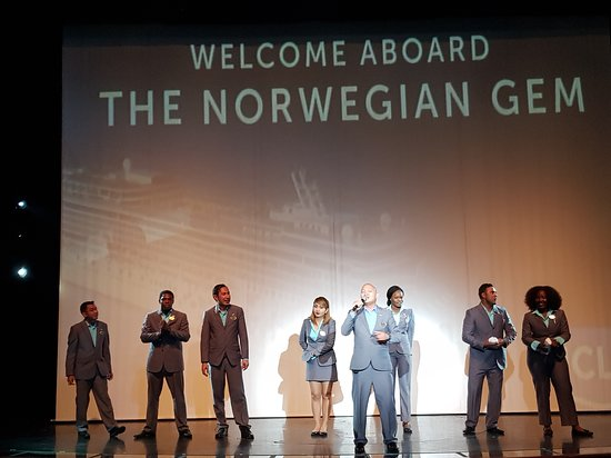 Norwegian Gem: welcome aboard show in the first night at the theatre , the recreation grou