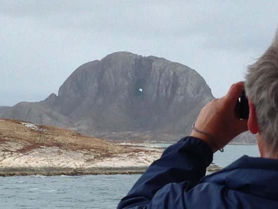 Finnmarken: The mountain with the hole