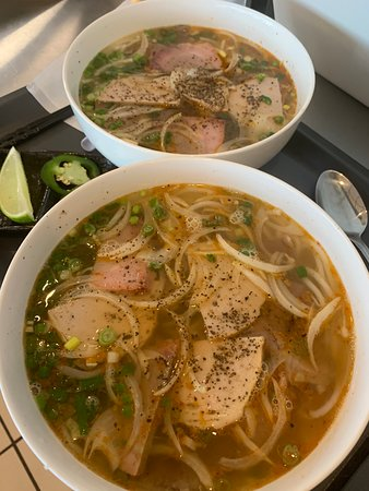 Le's Sub: Traditional Bun Bo Hue ( spicy beef soup)