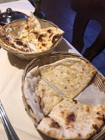 Langen, Tyskland: naan, not cooked in a kiln