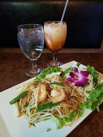 Pad Thai & Thai Iced Tea