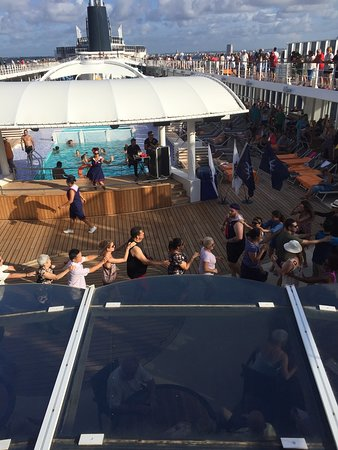 MSC Armonia: Activity on deck 11