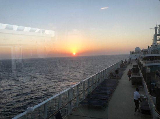 Norwegian Pearl: Sunrise