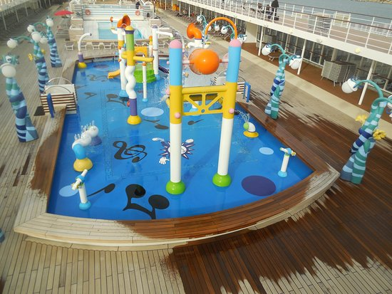 MSC Sinfonia: First class fun for kids in pool on 12th deck