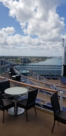 Norwegian Epic: Enjoying sunshine and tropical breezes at Spice