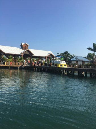 Norwegian Jade: Returning to Belize from Lagoon Excursion.