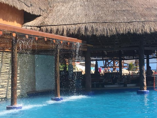 Norwegian Jade: Costa Maya, Mexico Swim Up Bar.